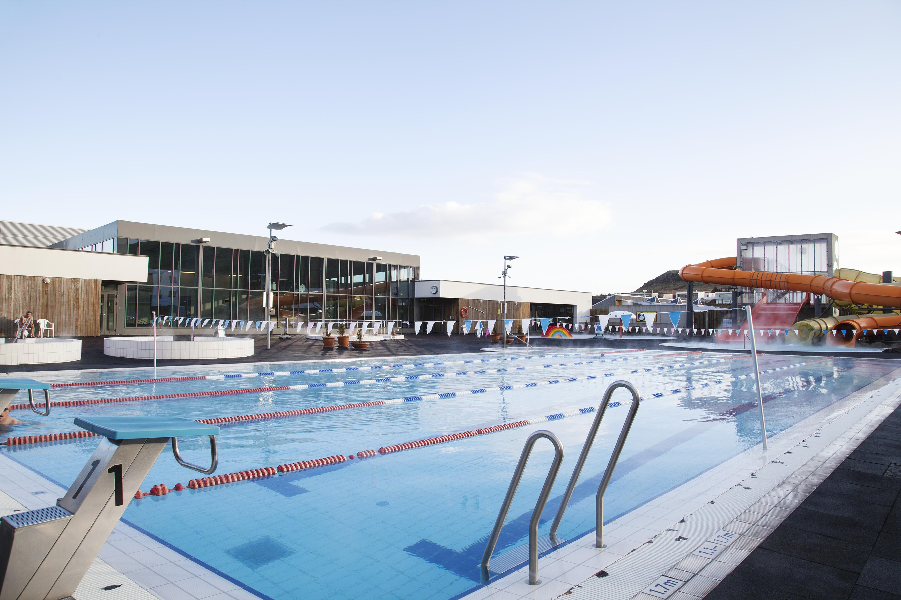 Every Swimming Pool In The Greater Reykjav­k Area Rated The