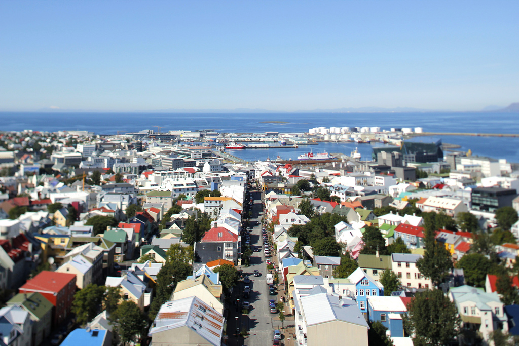 Police Raid Illegal Tourist Accommodations The Reykjavik